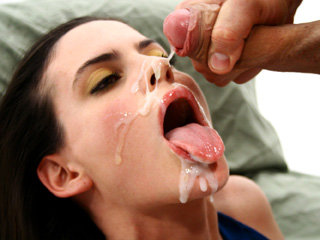 Argentinian girl Angeles Barroso earns a sticky warm cum on her face